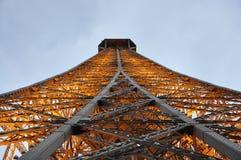 Sluit omhoog de Toren van Eiffel 's nachts van Parijs in Frankrijk Stock Foto's