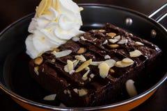 Sluit omhoog de verse brownie van de cakechocolade Royalty-vrije Stock Fotografie