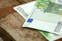 Sluit omhoog detail van euro geldbankbiljetten Stock Fotografie