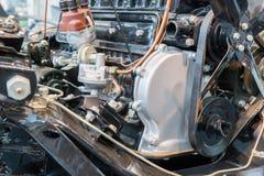 Sluit omhoog detail van Motor van een autodeel concept over autozaken i stock foto