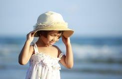 Sluit omhoog foto van leuk weinig Aziatisch meisje Royalty-vrije Stock Foto's