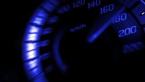 Sluit omhoog geschoten van een snelheidsmeter in een auto met blauwe lichte snelheid bij 180 Km/H in conceptenraceauto Stock Afbeeldingen