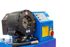 Sluit omhoog golfplaathoofd van hydraulische slang plooiende machine voor industrieel geïsoleerd op witte achtergrond met het kni royalty-vrije stock afbeeldingen