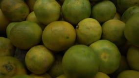 Sluit omhoog Groenten en Vruchten stock footage