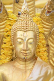 Sluit omhoog, het gouden standbeeld van Boedha Royalty-vrije Stock Fotografie
