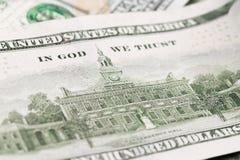Sluit omhoog hoop van honderd dollars, selectieve nadruk Dollars, ons geldachtergrond stock foto