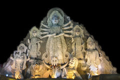 Sluit omhoog - idool van Durga van de Wereld het grootste bij Puja-festival, 70 voet lang, dat van klei wordt gemaakt Stock Foto's