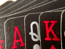 Sluit Omhoog/Macro - Hand van Zwarte Speelkaarten Stock Foto