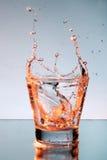 Sluit omhoog mening van de plons in water Royalty-vrije Stock Foto