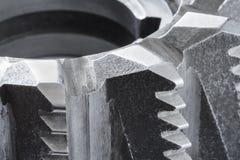 Sluit omhoog mening van een fragment van de snijder van het staalmalen royalty-vrije stock foto's