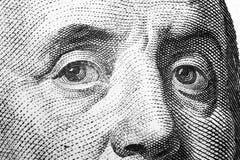 Sluit omhoog meningsportret van Benjamin Franklin op de honderd dollarrekening Achtergrond van het geld 100 dollarrekening met Be stock afbeeldingen