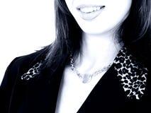 Sluit omhoog Mooie Lippen in Blauwe Tonen Stock Afbeelding