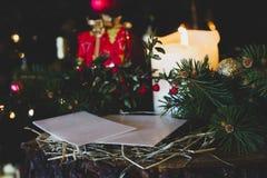 Sluit omhoog op heilig wafeltje op Kerstmis stock foto's
