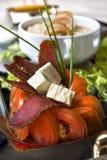 Sluit omhoog plakken van de tomaten en het bacon Royalty-vrije Stock Afbeelding