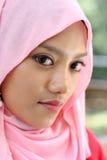 Sluit omhoog portretten van moslimmeisjes Stock Foto