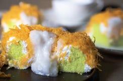 Sluit omhoog selectief nadrukstuk van de Gouden Cake van de Eierdooierdraad, o royalty-vrije stock foto