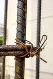 Sluit omhoog Staalstaven bij bouwwerf Stock Foto's
