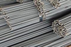 Sluit omhoog stapel van staalbar of de bar van de staalversterking stock fotografie