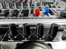 Sluit omhoog: studio mixer Stock Foto's