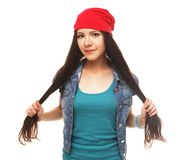 Sluit omhoog studioportret van het vrolijke hipstermeisje gek gaan Stock Foto