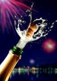 Sluit omhoog van champagnecork het knallen stock afbeeldingen