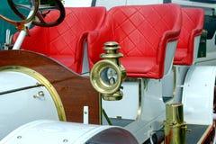 Sluit omhoog van 20CV uitstekende auto delaunay-Belleville - Voorraadbeeld Royalty-vrije Stock Foto's