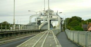 Sluit omhoog van de brug van de schommelingsweg Stock Fotografie