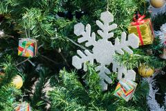 Sluit omhoog van de decoratie van de Kerstboomdecoratie Stock Foto