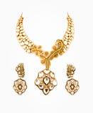Sluit omhoog van diamanthalsband met oorringen Royalty-vrije Stock Fotografie