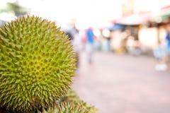 Sluit omhoog van durian fruit Stock Foto's