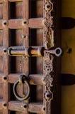 Sluit omhoog van een antieke houten deur Stock Fotografie