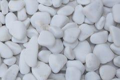 Sluit omhoog van een bos van witte opgepoetste stenen Royalty-vrije Stock Foto's