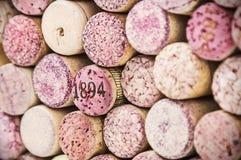 Sluit omhoog van een cork wijn stock afbeeldingen