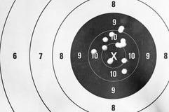 Sluit omhoog van een het schieten doel en bullseye stock foto's