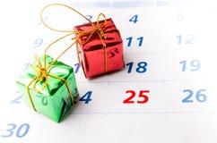 Sluit omhoog van een kalender met nadruk op dag 25 Royalty-vrije Stock Foto