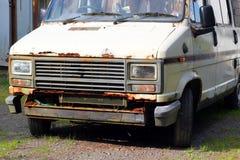 Sluit omhoog van een oud roestig voertuig Royalty-vrije Stock Afbeelding