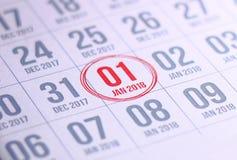 Sluit omhoog van eerste dag van het jaar 2018 op agendakalender Stock Afbeelding