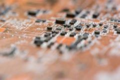 Sluit omhoog van Elektronische Kringen in Technologie op Mainboard-Hoofdraad als achtergrond, cpu-motherboard, logicaraad, systee stock foto