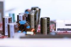 Sluit omhoog van Elektronische Kringen in Technologie op Mainboard-Hoofdraad als achtergrond, cpu-motherboard, logicaraad, systee stock fotografie