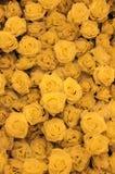 sluit omhoog van gele rozen stock foto's