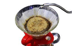 Sluit omhoog van gieten-over- koffie of handdruppel of handdiedruppelkoffie op witte achtergrond wordt geïsoleerd Royalty-vrije Stock Fotografie