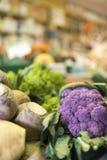 Sluit omhoog van heerlijke en kleurrijke groenten met de markt s royalty-vrije stock afbeeldingen