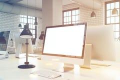Sluit omhoog van het computerscherm, gestemd bureau, Royalty-vrije Stock Fotografie