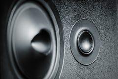 Sluit omhoog van hoge en met lage frekwentie sprekers, membraan audiospreker stock fotografie