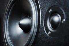 Sluit omhoog van hoge en met lage frekwentie sprekers, membraan audiospreker royalty-vrije stock afbeelding