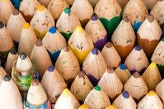 Sluit omhoog van houten met de hand gemaakte kleurpotloden Royalty-vrije Stock Afbeelding
