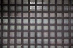 Sluit omhoog van Japanse oude houten netvenster of deur royalty-vrije stock foto