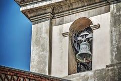 Sluit omhoog van kerkklok in Toscanië royalty-vrije stock foto's