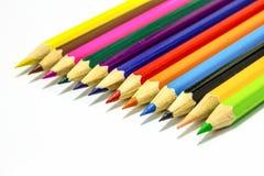 Sluit omhoog van kleurenpotloden met verschillende kleur Stock Foto