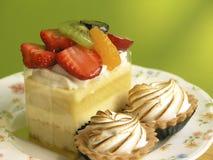 Sluit omhoog van kleurrijke fruitcake Royalty-vrije Stock Foto